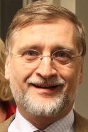 Dr. Hulstaert